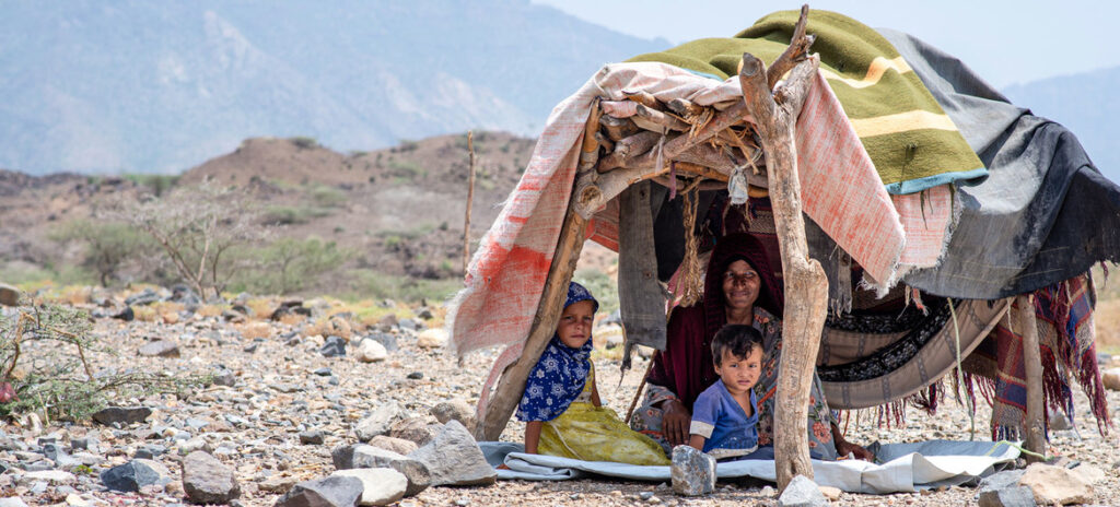 Humanitarian assistance stepped up on Yemen's west coast, amid clashes